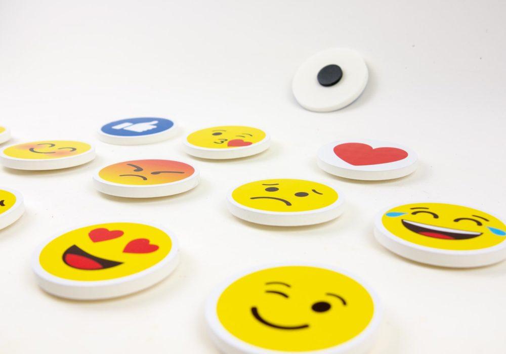 Magneti-emoji